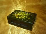 Suport cutie chibrituri semineu, pictat manual, vintage