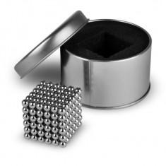 Joc Antistres NeoCube cu 216 Bile Magnetice, Diametrul 5mm + Cutie Metalica, Argintiu