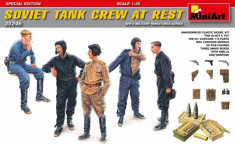 1:35 Soviet Tank Crew at Rest - Special Edition - 5 figures 1:35 foto