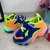 Cumpara ieftin Adidasi albastri colorati cu lumini LED & scai pt baieti 20 21 22 23 cod 0490