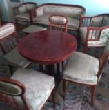 Mobila salon veche de peste 100 de ani