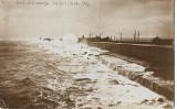 Carte poștală – Constanța, valuri peste dig
