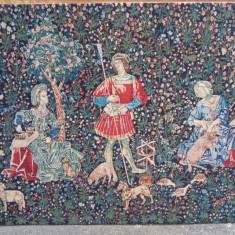 O superbă tapiserie antica in stil francez lucrata integral manual