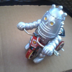 bnk jc China - Robot pe tricicleta - mecanism cu cheita - functional