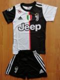 Echipament Juventus copii 12-13 ani (marime 164 si 176), YXL, YXXL, Tricou + Pantalon