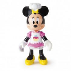 Set Figurina si Accesorii Disney Minnie Mouse si Rulota cu Dulciuri