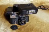 Aparat foto Fed 5 cu obiectiv Industar 53 mm. Toc piele si blitz Sunpak.