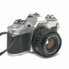 Canon AV-1 cu obiectiv Canon FD 50mm 1.8