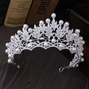 Diadema / tiara mireasa superba cu perle si cristale tip Swarovski