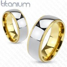 Inel argintiu din titan, cu marginile aurii cu striaţii - Marime inel: 57