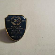 "Insigna ""Academia Tehnica Militara Ingineri Artilerie Rachete 1986 - 16"" superba"