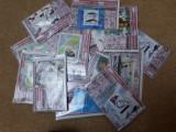 Plicuri filatelice   cu 1 colita  straine,  25  timbre straine si 25 romanesti