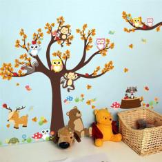 Sticker perete camera copii ursuletul sub copac