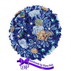Buchet mireasa din flori satinate Handmade by Diana Puiu BNMS 5 albastru-blue