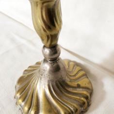 Sfesnic vechi din alama argintata