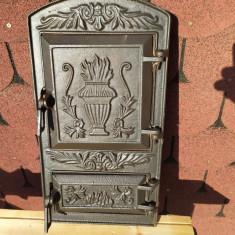 Veche usa din fonta pentru soba de teracota