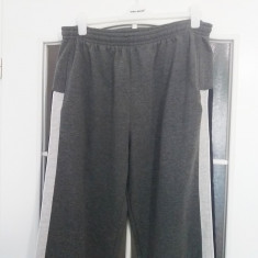 Pantaloni trening barbati Prime, mar XL, in stare foarte buna!
