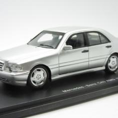 Macheta Mercedes Benz C43 AMG Spark 1:43