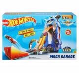 Set de joaca Hot Wheels, garaj cu pista de lansare