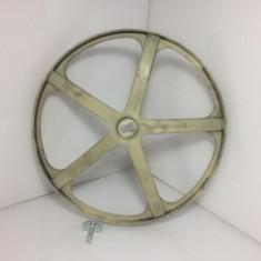 Fulie cu surub masina de spalat Indesit