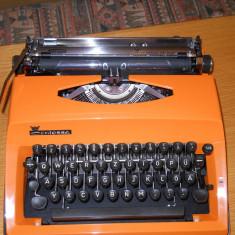 Masina de scris CONTESSA de Luxe