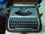 Masina de scris GROMA COLIBRI vintage+banda noua de scris