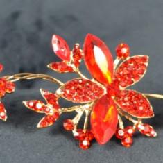 Diadema Auriu cu Flori si pietricele Rosii