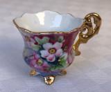 Impresionanta ceasca din portelan pictata manual cu motive florale, miniatura, Decorative