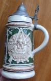 Halba din ceramica cu capac din zinc , cu balama , veche , blazon vanatoare