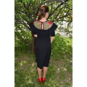 Bluza eleganta cu talie scurta, neagra, cu insertie de tul brodat