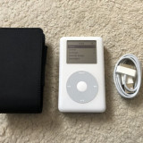 Ipod Classic 40gb cip audio Wolfson+husa apple+cablu(baterie 11 ore), 4th generation, 40 Gb, Alb