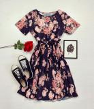 Rochie dama ieftina neagra de zi midi cu pliuri si imprimeu flori roz