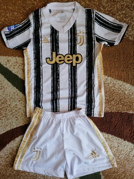 Echipament Juventus copii 12 ani