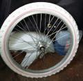 Roata bicicleta parte fata  48 spite  cauciuc nou 2.0x20 Schwinn Innova
