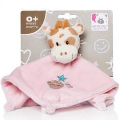 Plus Bebe Girafa 26 cm cu Paturica si Zornaitoare Roz