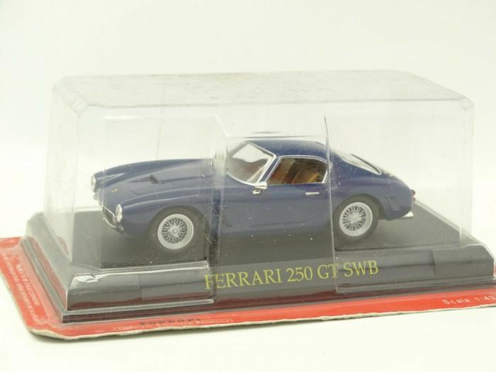 Macheta Ferrari 250 GT SWB  scara  1:43