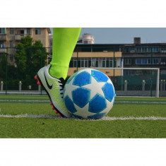 Minge fotbal pentru antrenament MBrands Champions League marimea 5, Teren sintetic