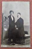Barbat si femeie - Fotografie tip carte postala datata 1921