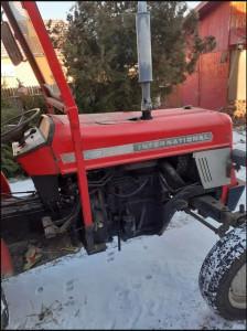 Vand Tractor International 454 si Accesorii