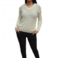 Pantalon negru cu croi tip pana si usor imblanit, ideal de iarna