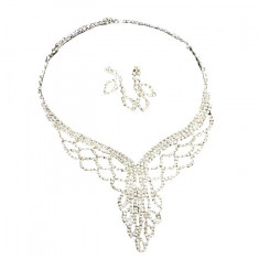 Set elegant de bijuterii in nuanta de auriu, argintiu, cu strasuri