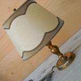 Cumpara ieftin LAMPA VINTAGE DE NOPTIERA CU ABAJUR SI PICIOR DIN ALAMA