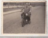 Bnk foto Romania - Bucuresti - motocicleta - interbelica, Alb-Negru, Transporturi, Romania 1900 - 1950