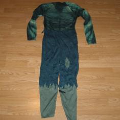 costum carnaval serbare hulk pentru copii de 7-8 ani