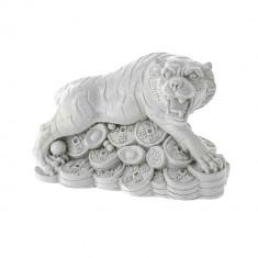Tigru alb pe monede si pepite