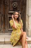 Cumpara ieftin Rochie Deby galbena cu imprimeuri florale colorate si volane