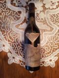 Vin Portughez vechi nobilat in beci cu mucegai nobil