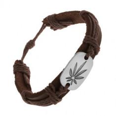 Brăţară maro realizată din piele sintetică și șnururi, oval mare, frunză de canabis