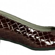 Pantofi dama casual din piele lacuita de culoare maro Ninna Art 234