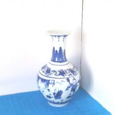 Antichitate: Vaza yuhuchunping portelan blue & white cca. 1800 - marcaj Qianlong